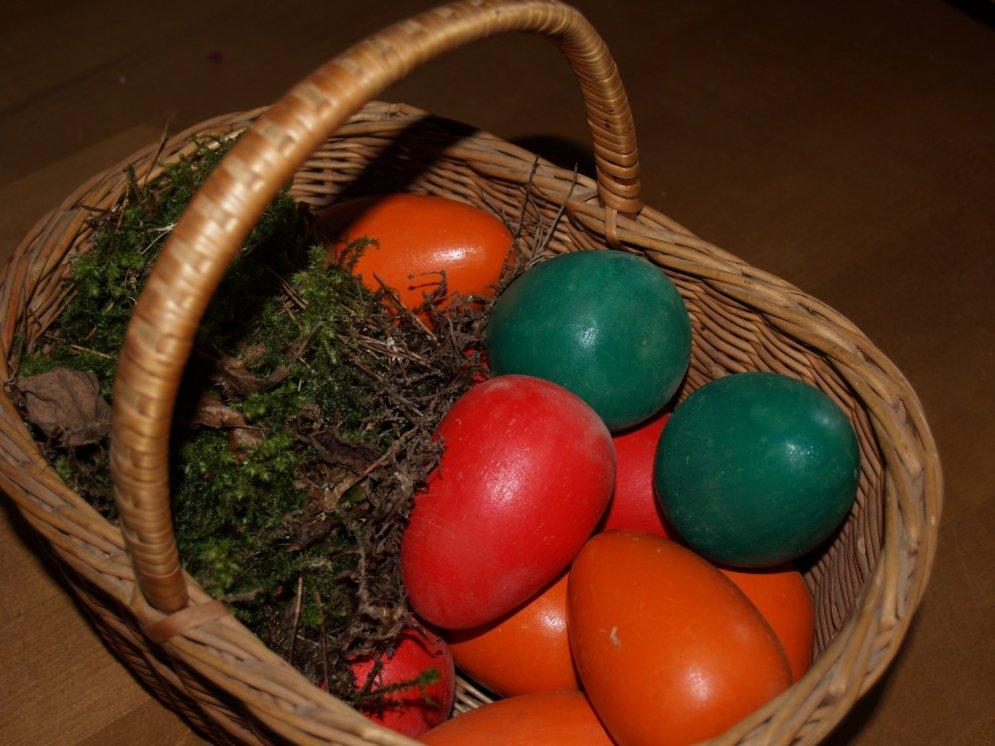 Daži padomi, kā krāsot Lieldienu olas pēc mūsu senču metodēm
