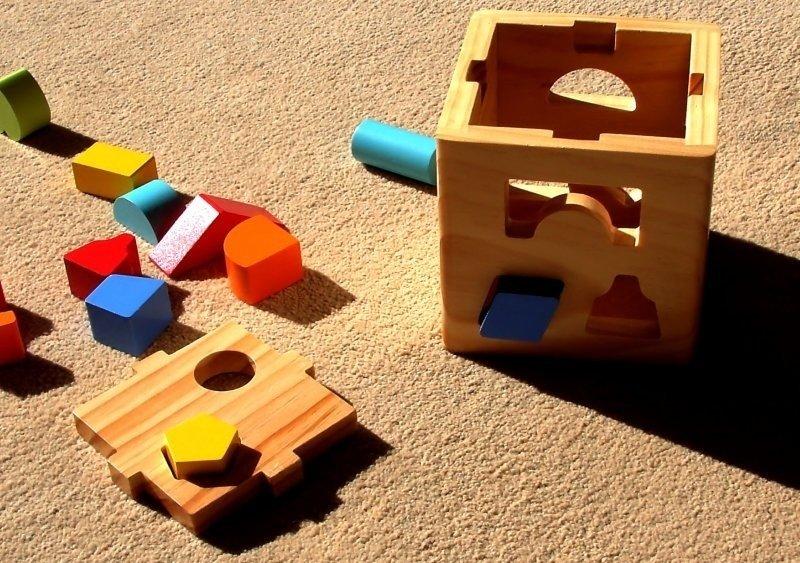 Kāpēc bērna attīstībā labāk izmantot tieši koka rotaļlietas?