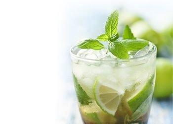 Alkoholiskie dzērieni un kokteiļi