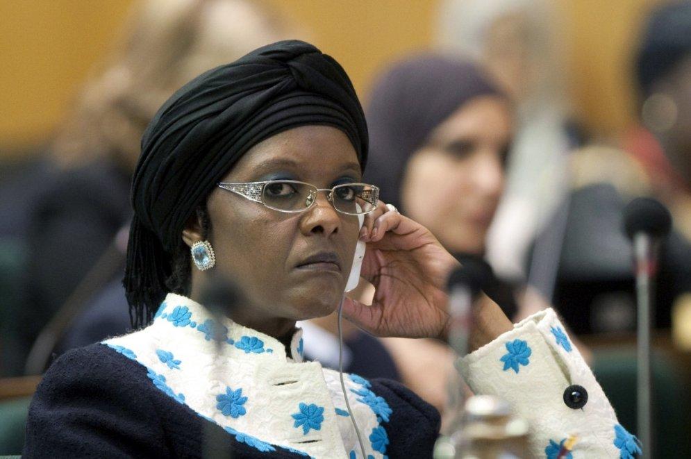 Pirmā lēdija ellē: kādas sievietes izvēlas mūsdienu diktatori
