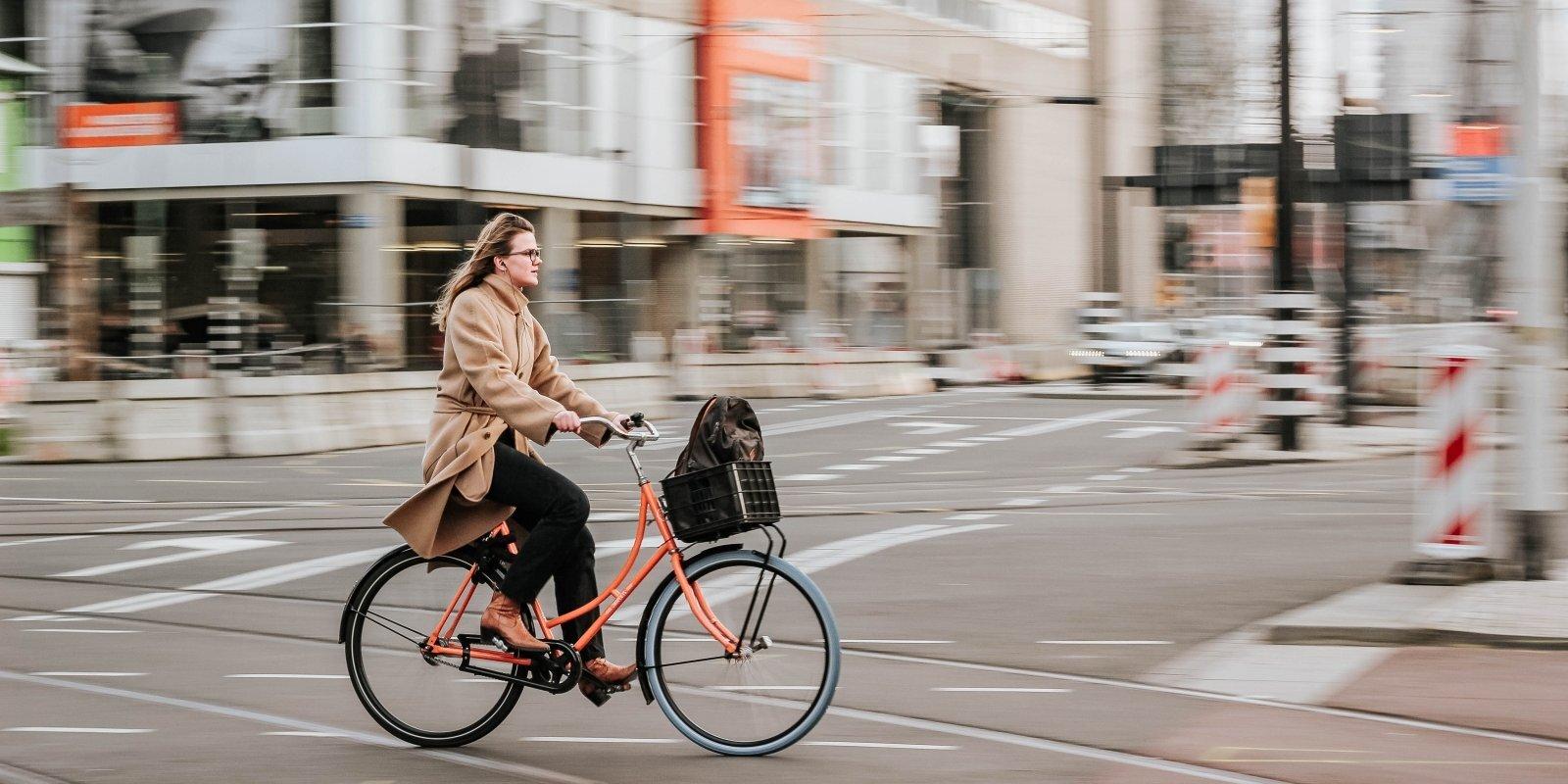 Город для велосипедистов? Новые велодорожки в Риге: что построят и что улучшат в этом году