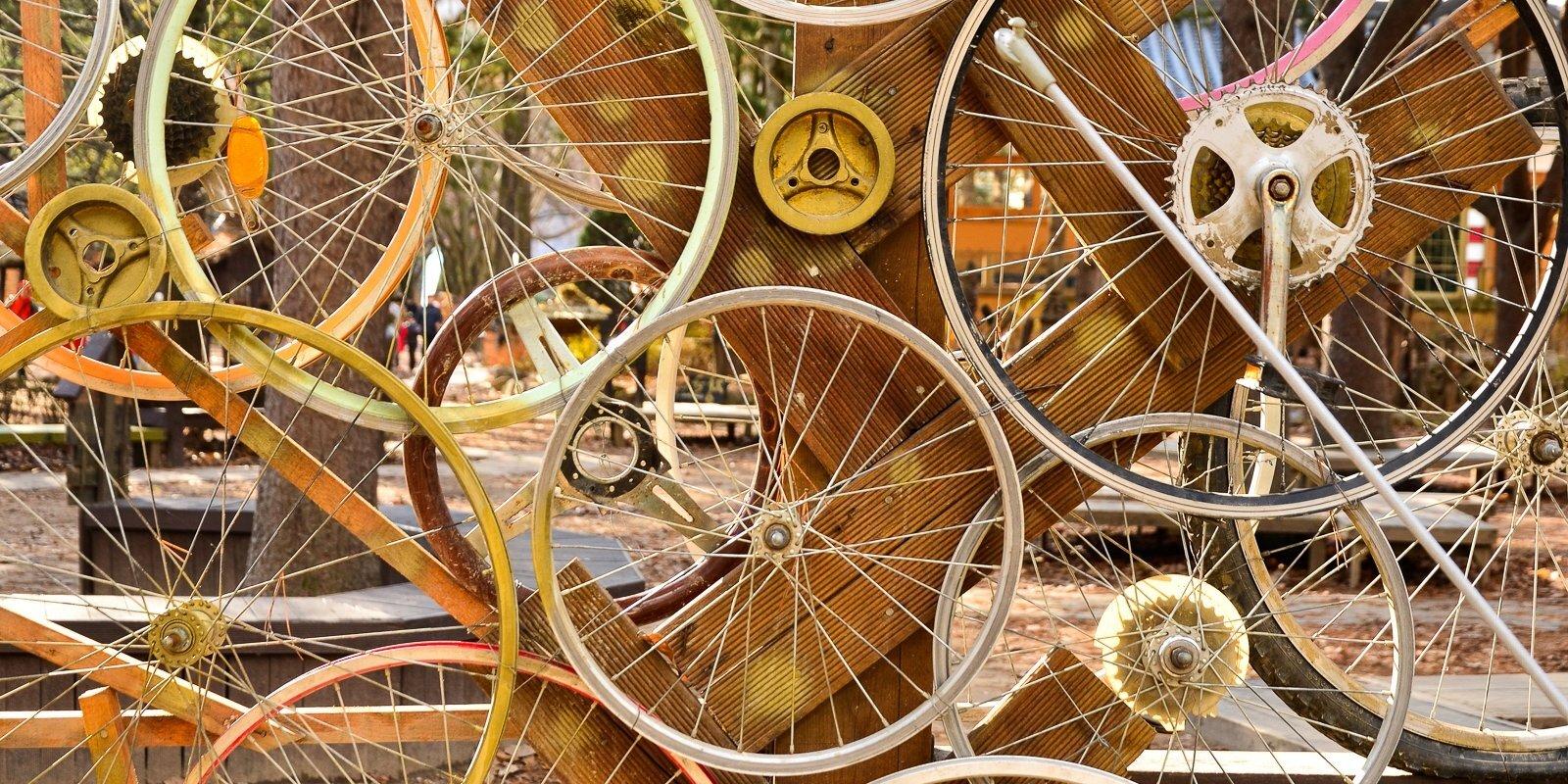 """""""За велосипедами стоят в живой очереди"""". К чему привел дефицит велозапчастей?"""