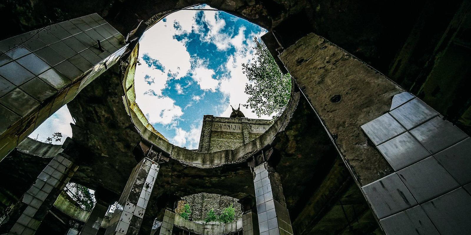 Мороз по коже: заброшенные объекты и загадочные места Латвии