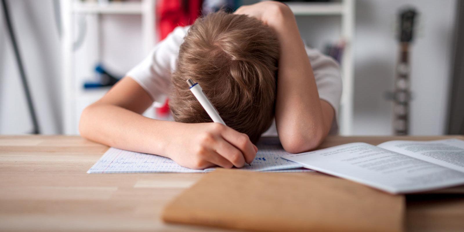 Jāmeklē cēloņi, nevis jācīnās ar sekām – kā izprast bērna nevēlēšanos mācīties