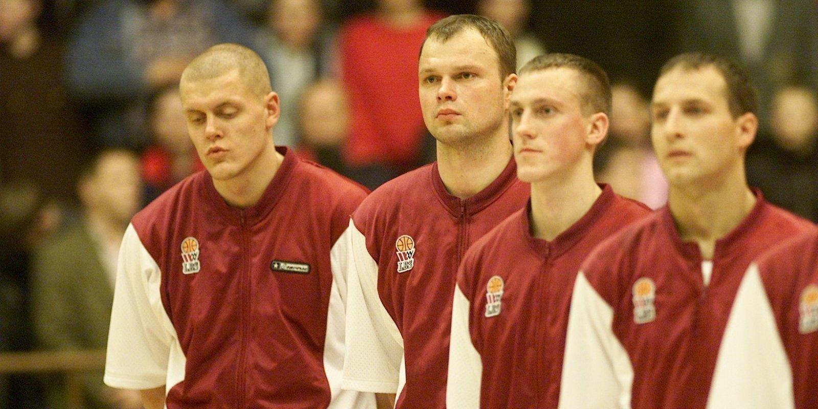 Izcilās komandas: No pagraba uz balli... Basketbola izlase zaudē Anglijai, bet uzvar Lietuvu