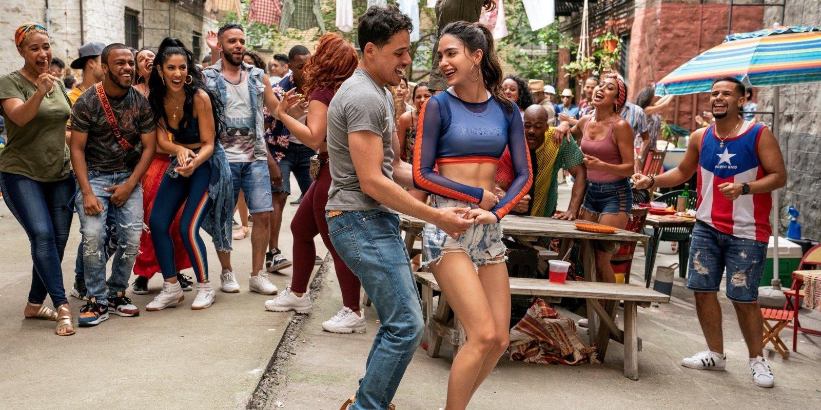 Fani sašutuši par tumšas ādas krāsas latīņamerikāņu trūkumu filmā 'In The Heights'