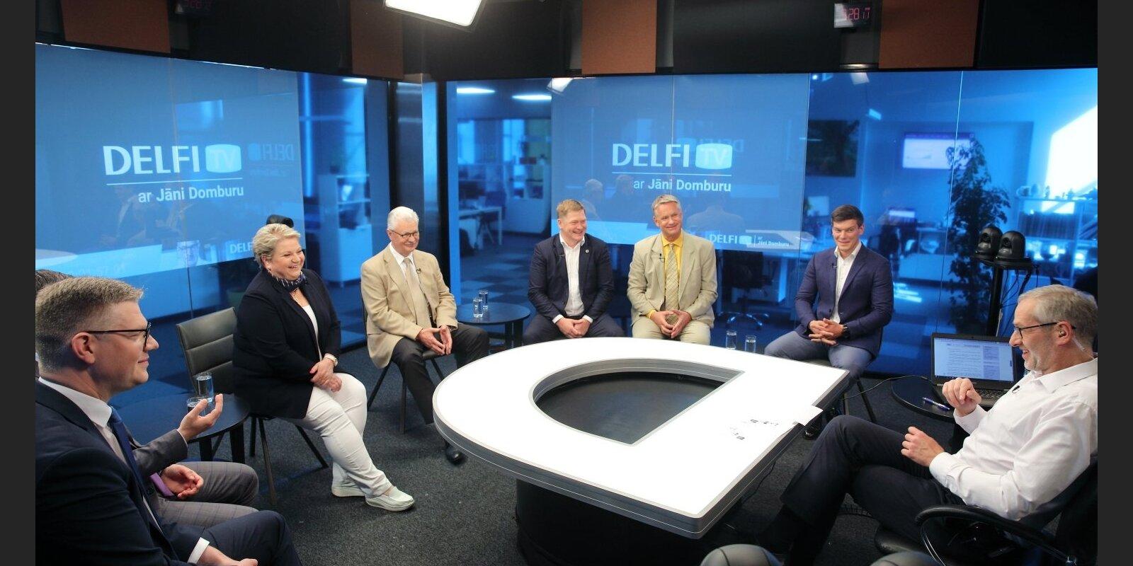 'Delfi TV ar Jāni Domburu' atbild Rīgas mērs Turlais un frakciju vadītāji. Diskusijas teksts