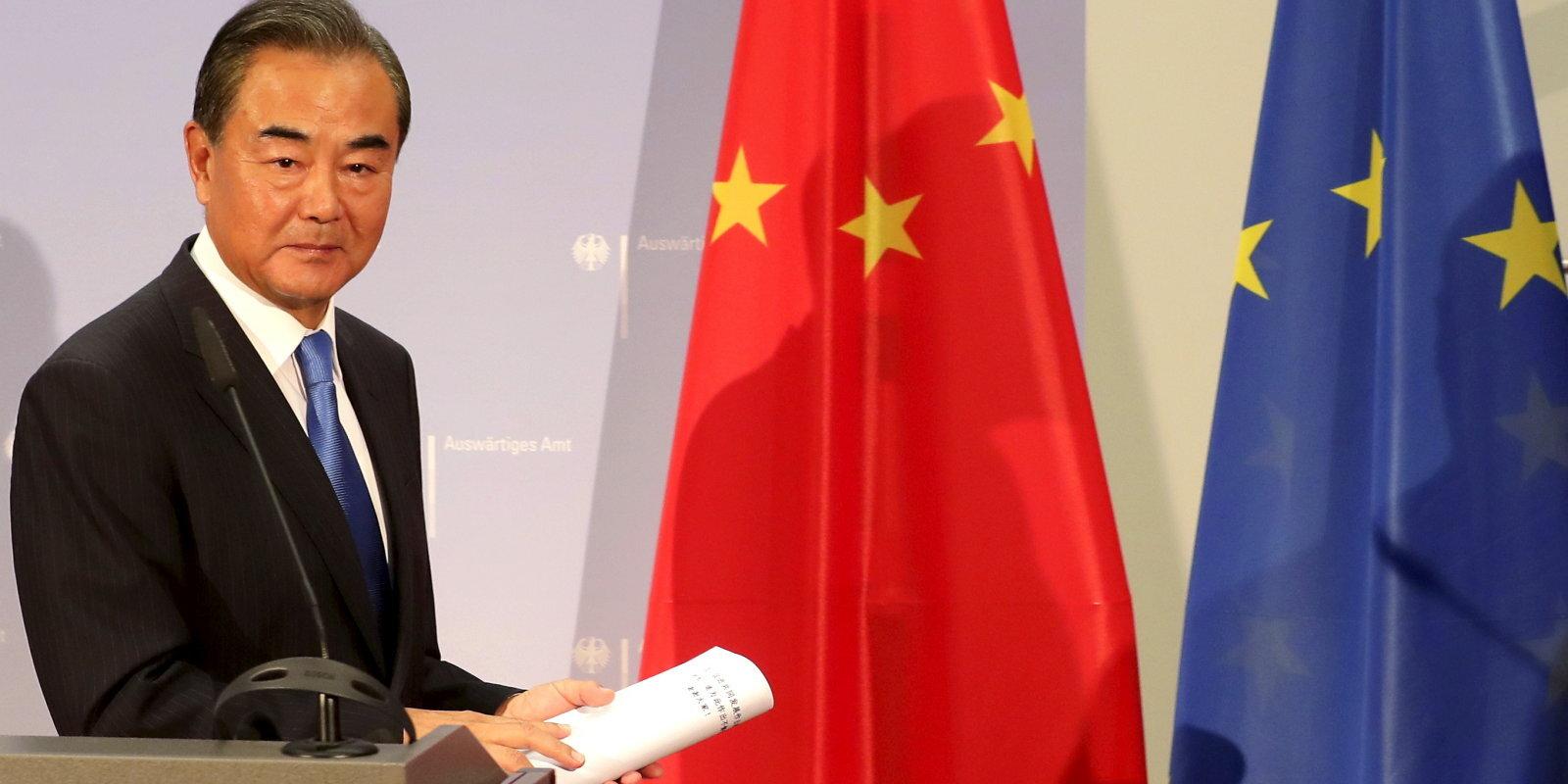 Mostamies kopā ar Ķīnu? Austrumu milzis lūko pēc draugiem Eiropā