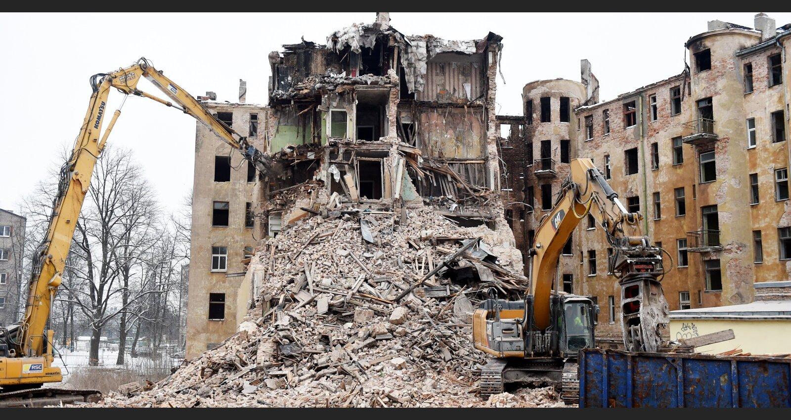 Nodegušās ēkas Kalnciema ielā saimnieki iegriezuši tiesvedību virpuli