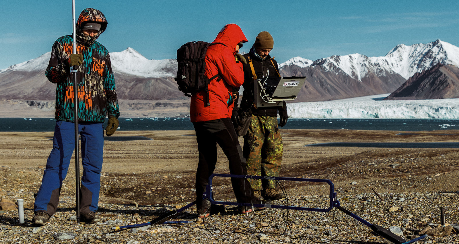 Bez ieroča nekur. Latviešu polārpētnieku ekspedīcija uz leduslāču zemi Svalbāru