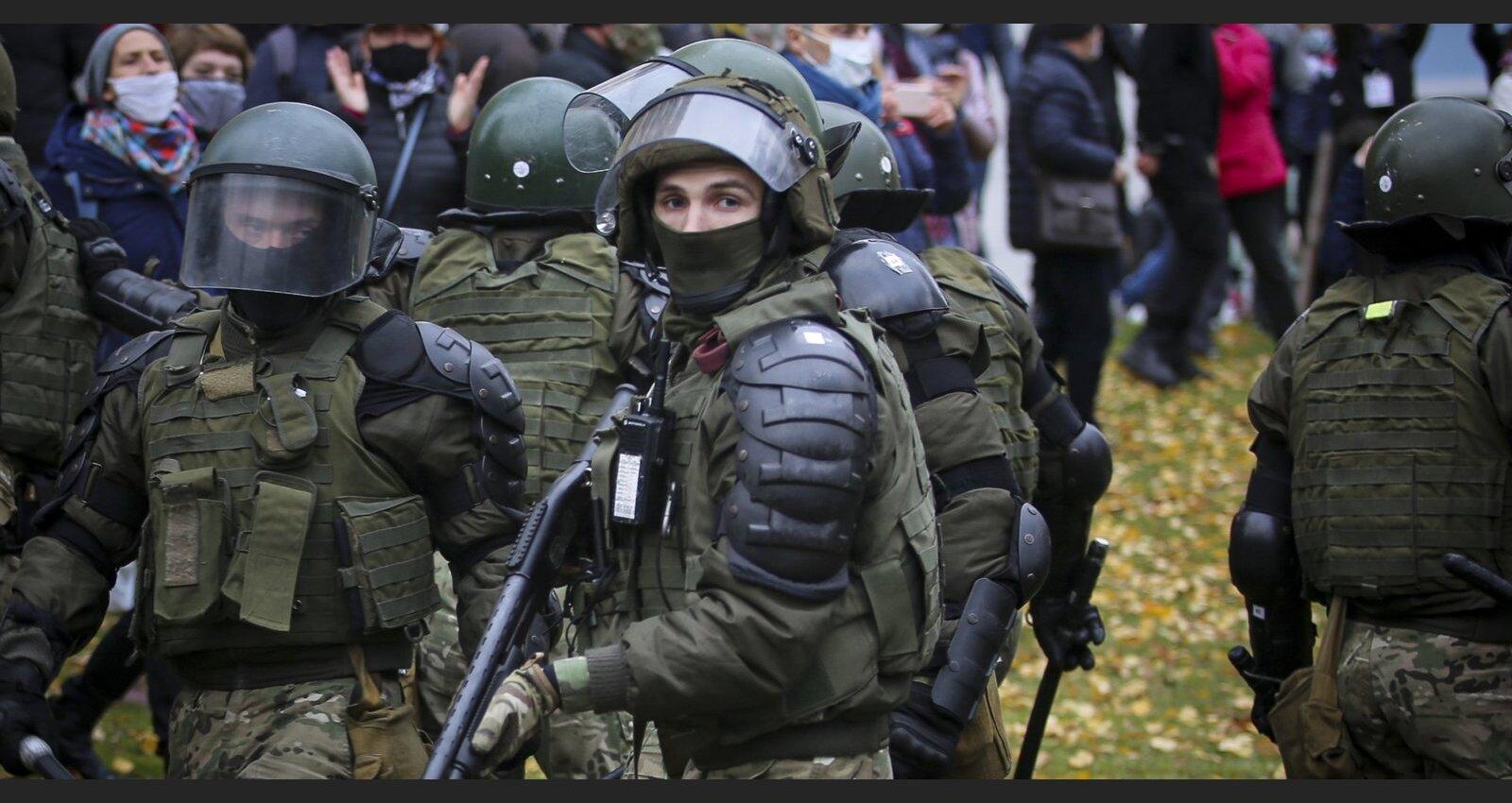 Opozicionārs Cepkalo Rīgā: Valsts ir izjukusi, Lukašenko vada ar asinīm saistītu bandu