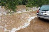 Augusta lietavas valsts ceļu tīklam nodarījušas zaudējumus provizoriski aptuveni miljona eiro apmērā