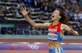Pasaules čempione Savinova uzvar 800 metru skrējienā arī Londonā