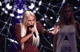 Par blondu un par brūnu: 'dīvāna eksperti' izsmej Lindu Leen