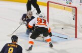 'Sabres' un 'Predators' uzvar pagarinājumā un izvirzās vadībā 'play-off' sērijā