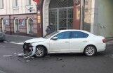 Foto: Divu auto sadursme Mednieku ielā