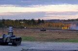 Video: Krievijā militāristi testē autonomus kaujas robotus