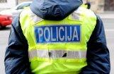 Лиепая: в отношении полицейских, возможно, проехавших ночью мимо плачущей девочки, начата проверка
