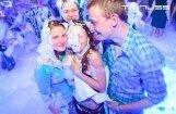 Klubā 'Tonuss' notikusi krāšņa putu ballīte