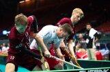 Video: Latvijas florbolisti mača otrajā pusē 'sabradā' Kanādu