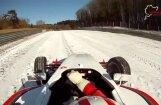Video: Ar formulu pa sniegoto Nirburgringas trasi