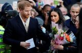 Foto: Princis Harijs kopā ar līgavu sāk pildīt oficiālos pienākumus