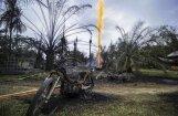 Foto: Indonēzijā, aizdegoties naftas urbumam, iet bojā 21 cilvēks