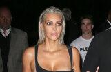 ФОТО: Ким Кардашьян снова стала блондинкой
