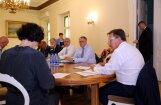 Часть коалиции поддерживает движение к обучению на латышском языке