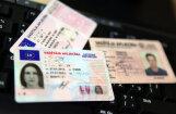 Еврокомиссия: выдаваемые в Латвии водительские права не соответствуют нормам ЕС