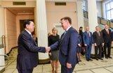 Foto: Ķīnas parlamenta spīkers Dedzjans tiekas ar Kučinski