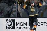 Video: Kārlsons NHL debitantes 'Golden Knights' rindās gūst vēsturisku 'hat-trick'