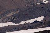 Šveices Alpos avarējusi antīka lidmašīna; 20 bojāgājušie