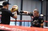 Foto: Briedis gatavojas cīņai pret Peresu