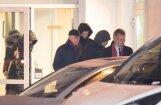 Подвергнутого обыскам Илмара Римшевича после многочасового допроса увезли на машине БПБК (ФОТО, ВИДЕО)