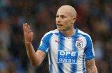 Piecgadīgs līdzjutējs uzdāvina piecas mārciņas 'Huddersfield Town' futbolistam par vārtiem pret 'Manchester United'