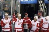 'Red Wings' atkārto NHL garāko mājas spēļu uzvaru sēriju