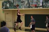 Latvietis Šmits izpelnījies trīs NBA klubu uzmanību