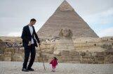 Foto: Pasaulē garākais vīrietis satiek pasaulē īsāko sievieti