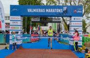 Macuks un Kuzņecova triumfē Latvijas čempionātā maratonā