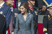 Spānijas karaliene svētkos apbur ar eleganci