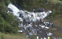 Kolumbijā nogāzusies lidmašīna ar Brazīlijas futbola komandu; seši cilvēki no 77 izdzīvojuši