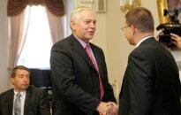 ZZS atbalstītu vismaz triju Dombrovska valdības ministru demisijas pieprasījumus