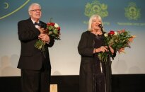 Foto: 'Lielā Kristapa' atklāšanas ceremonijā godina Rozi Stiebru un Ansi Bērziņu
