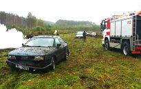 Video: Mistika Baldonē – pilna pļava sadauzītu un tikko pamestu auto