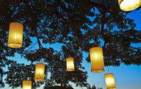 Astoņas oriģinālas dārza lampiņas omulīgiem vasaras vakariem