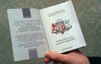 Остановить конвейер. Как 50 детей-неграждан раскачали правительство Латвии