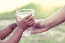 Kāpēc katra diena jāsāk ar glāzi ūdens