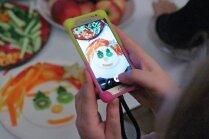 Foto: Kā bērni ar šefpavāru palīdzību gatavoja mākslu uz šķīvja