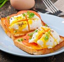Ideāls brokastu ēdiens – ātri pagatavojamās olmaizes: 12 brīvdienīgas receptes